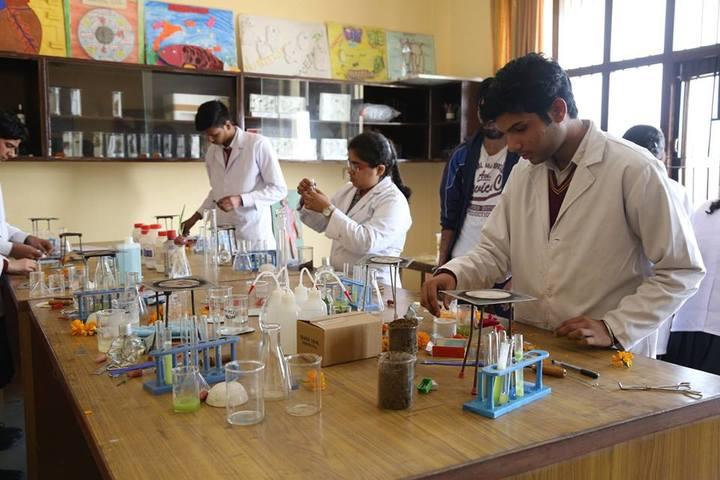 Indian Public School-Chemistry Lab