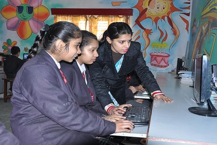 Indus Public School-Computer Lab