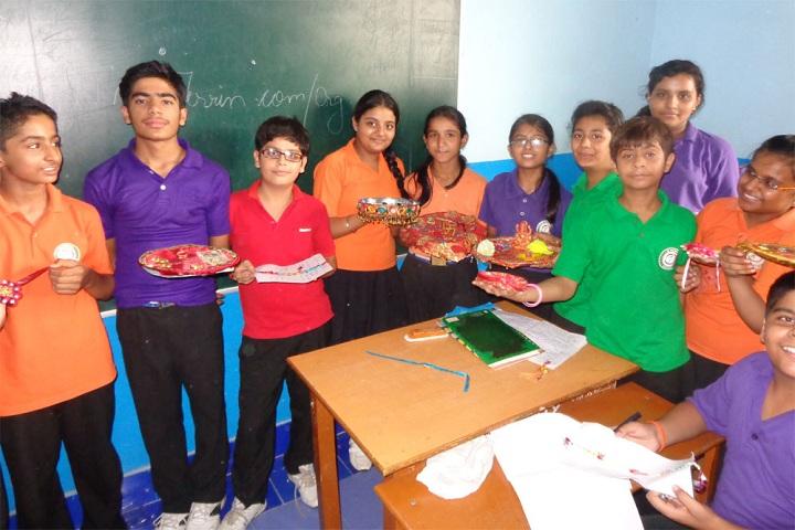 International Bharti School-Rakhi Making