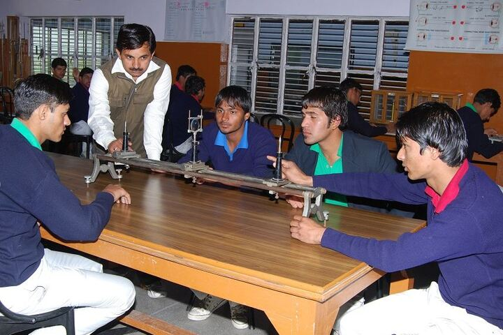 J P Jain Senior Secondry School-Laboratory