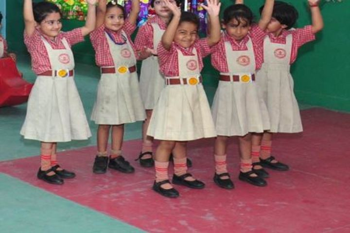 K L Mehta Dayanand Public Senior Secondary School-Dance