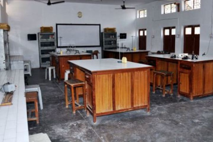 K L Mehta Dayanand Public Senior Secondary School-Physics Lab