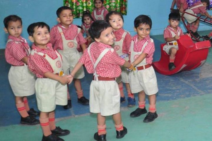 K L Mehta Dayanand Public Senior Secondary School-Playing