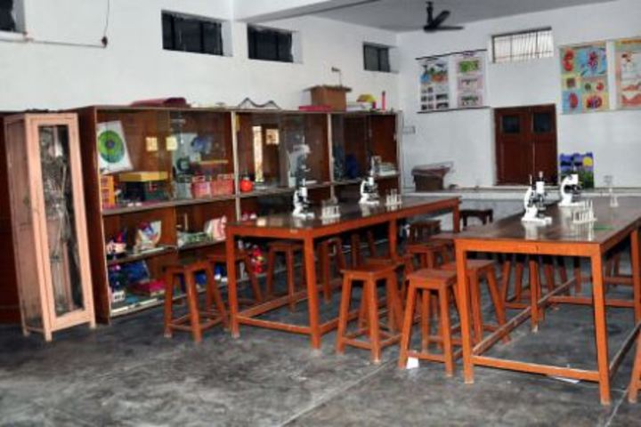 K L Mehta Dayanand Public Senior Secondary School-Science Lab