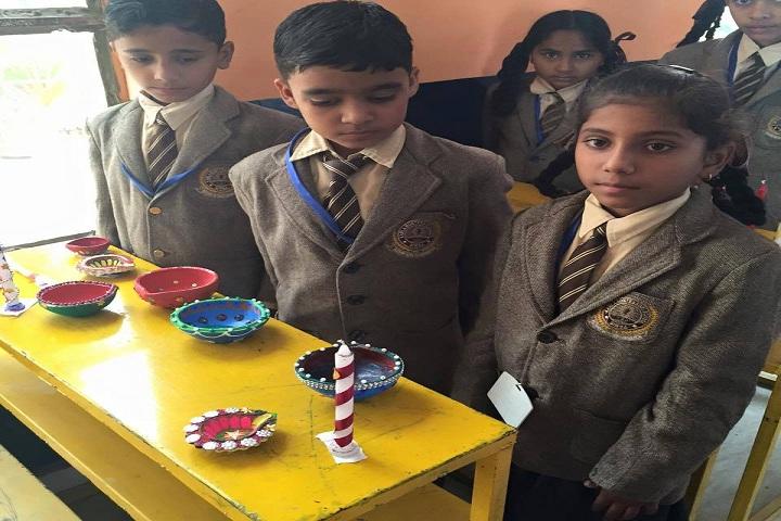 Kamla Montessori School-Art and Craft