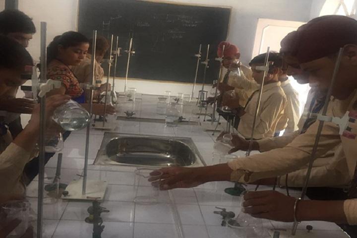 Kamla Montessori School-Chemistry Labs