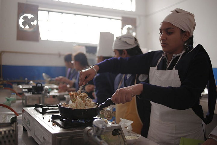 Amatir Kanya Gurukul-Cooking Classes