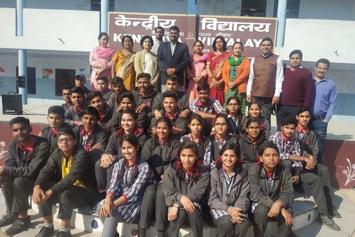 Kendriya Vidyalaya-Students  And Staff Group Photo