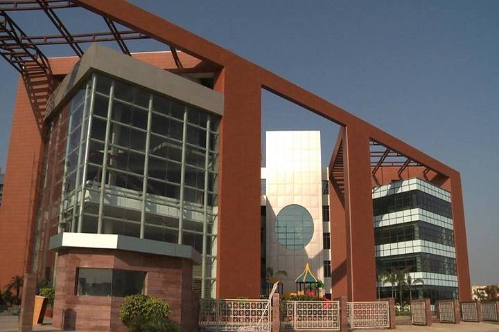 Lotus Valley International School-Campus