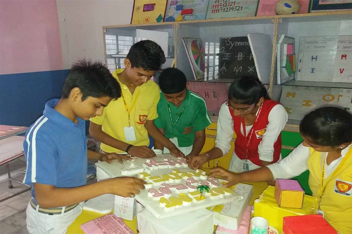 Maharishi Meinhien Public School-Housesystem