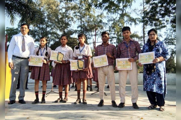 Major R.N Kapoor Dav Public Senior Secondary School- Certificate Distribution