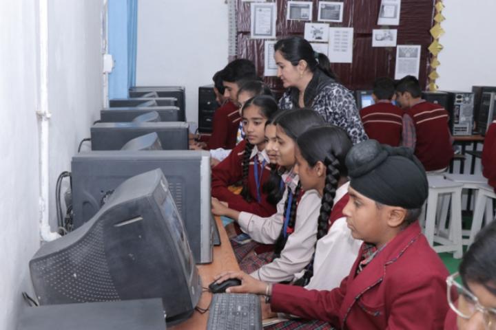 Major R.N Kapoor Dav Public Senior Secondary School- Computer lab
