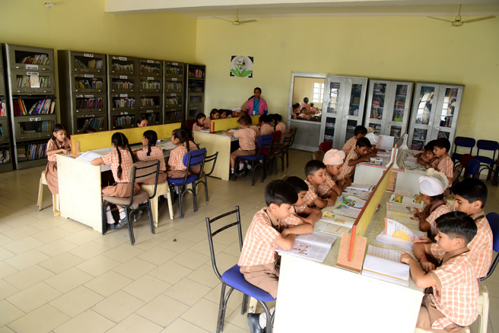 Manish Papneja Memorial Public School-Library