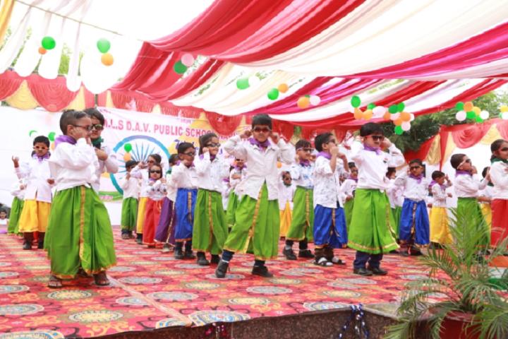 Manohar Lal Saraf Dav Public School-Events dance