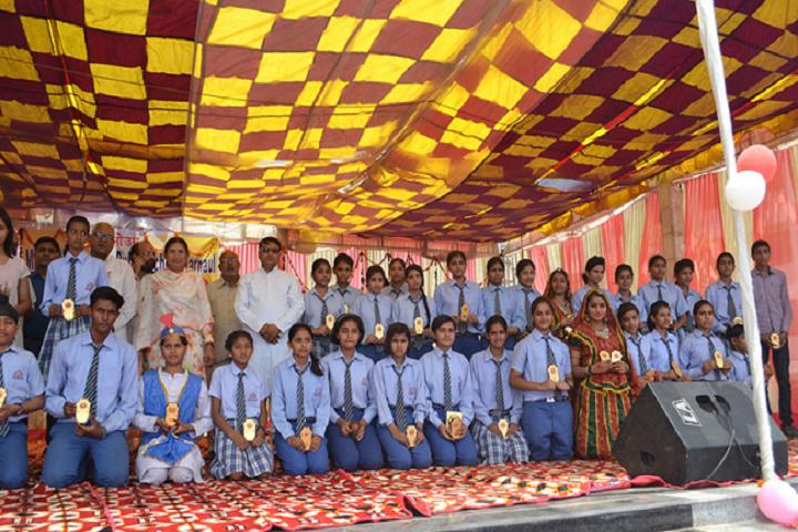 Manohar Lal Saraf Dav Public School-Others prize