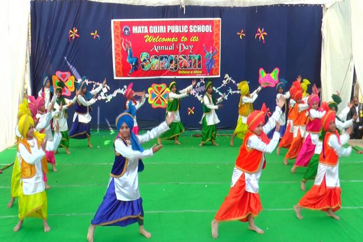 Mata Gujri High School-Punjabi Dance