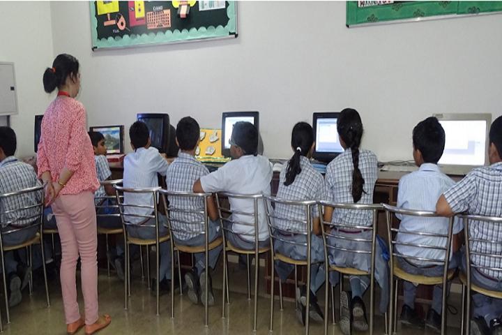 Meenakshi Public School-Computer Lab