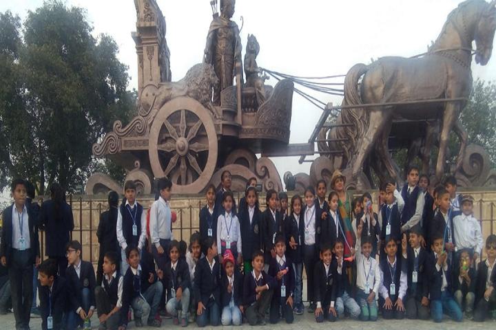 Model School Kalanaur-Educational Tour