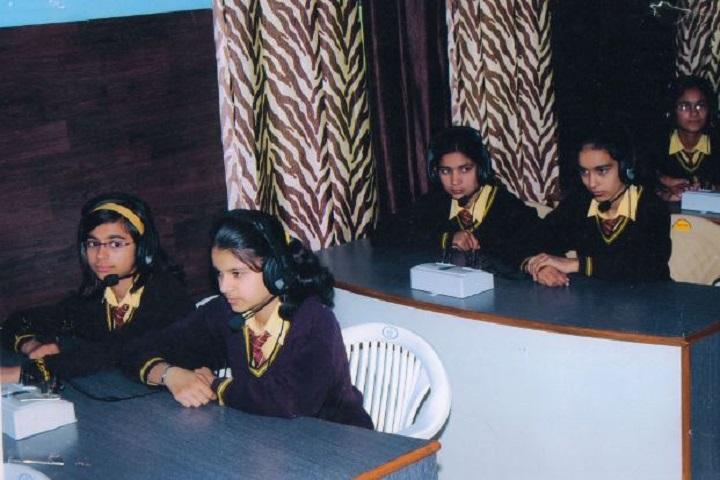 Modern Senior Secondary School-Language-Lab
