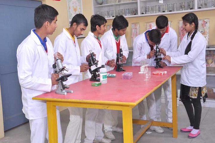 Navyug Senior Secondary School-Biology Lab