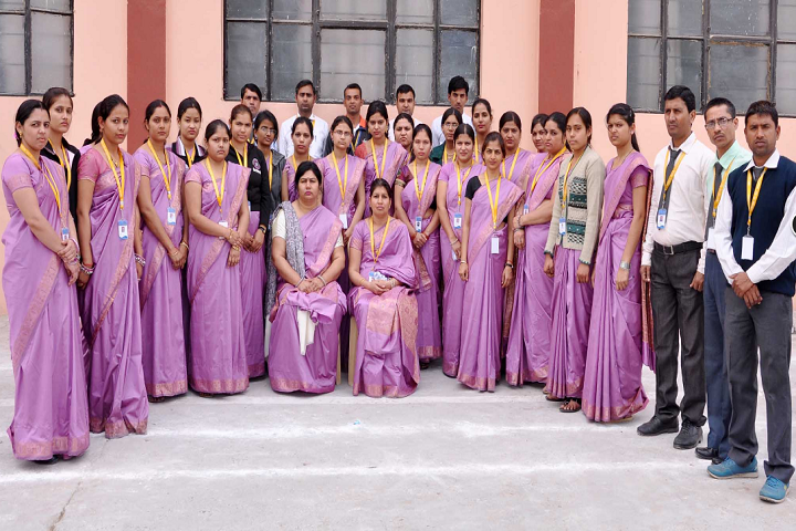 Navyug Senior Secondary School-Group Photo