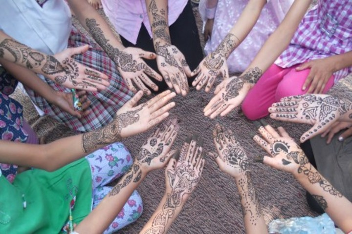 New Kashi Public School-Mehandi Competition
