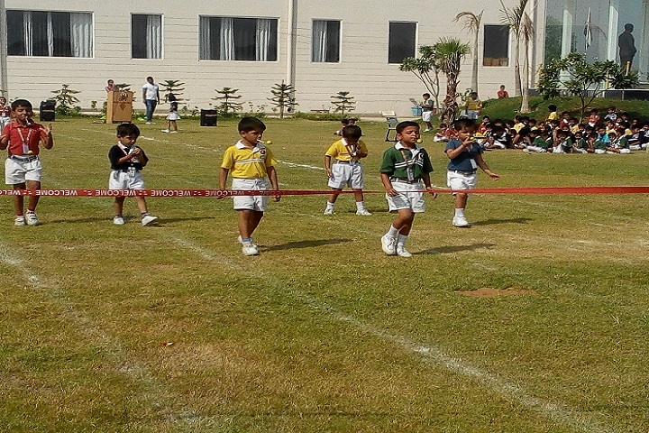 Opy World School-Running competition