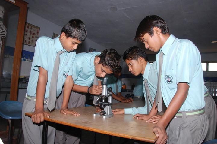 Pinewood International Boarding School-Physics Lab