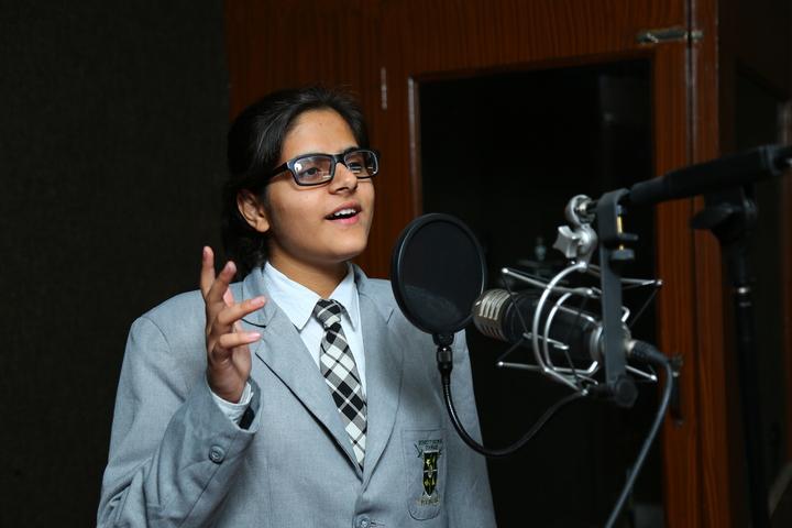 Raunaq Public School-Singing