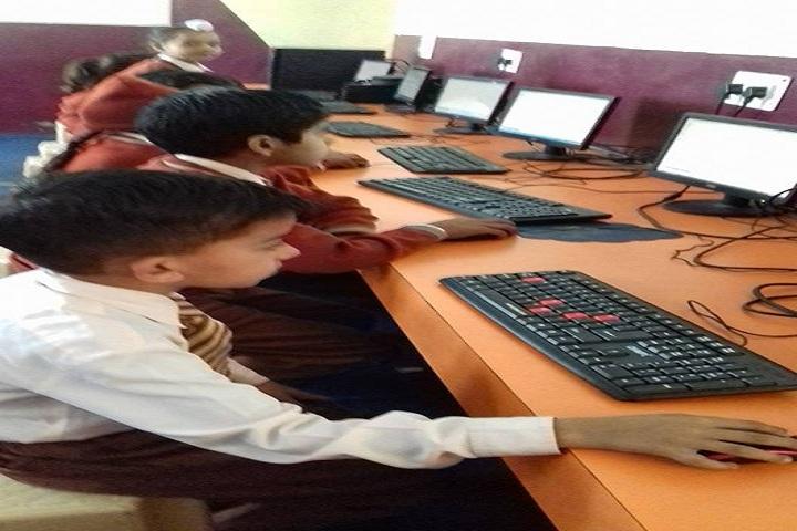 Royal Public School-IT Lab