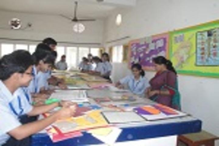 S D Adarsh Vidyalaya-Psychology lab