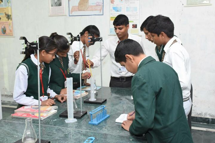 S D Public School-Chemistry-LAb