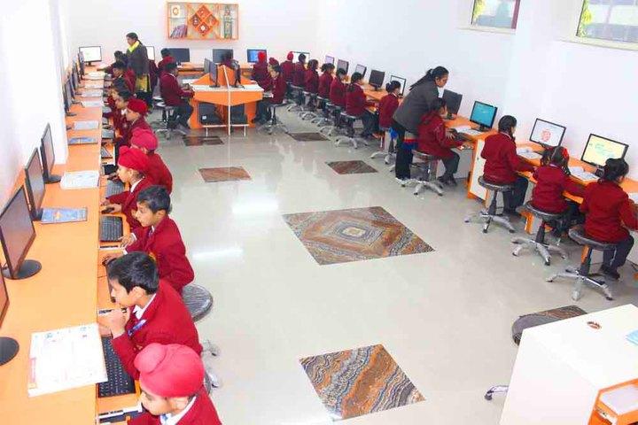 Sant Nischal Singh Public School-Computer Lab