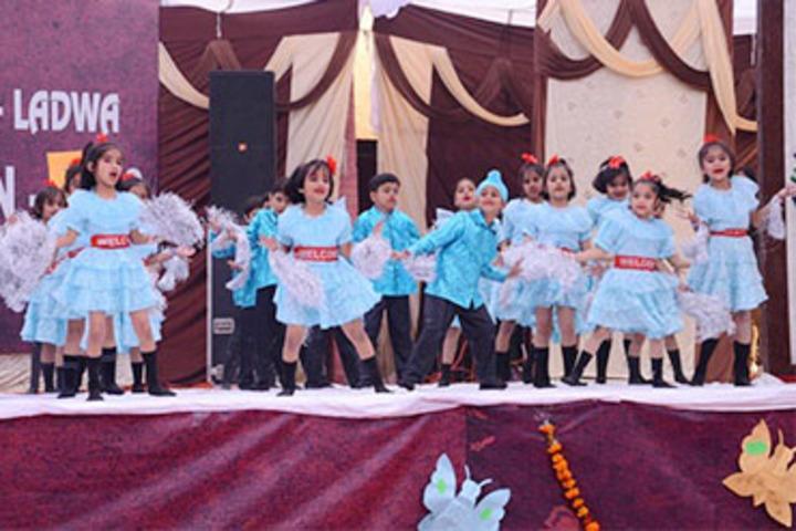 Sant Nischal Singh Public School-Dancing Activity