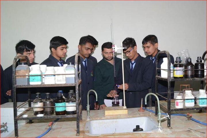 Saraswati Vidya Mandir Senior Secondary School-Labs