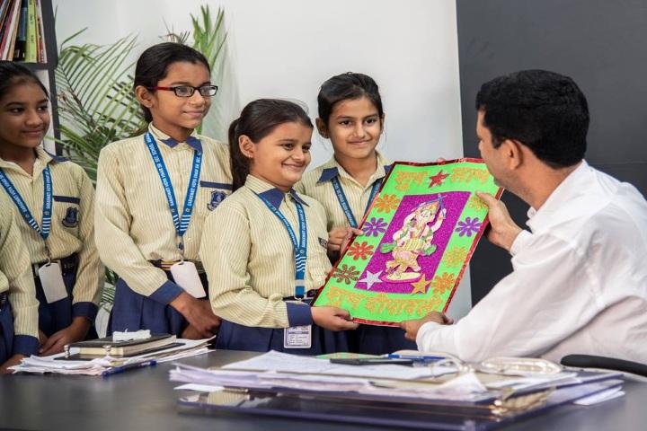 Saraswati Vidya Vihar Senior Secondary School-Art