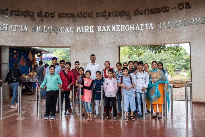 Saraswati Vidya Vihar Senior Secondary School-Visit To Zoo