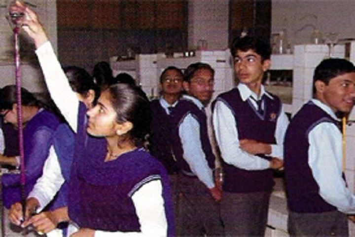 Satyanand Public School-Chemistry Lab