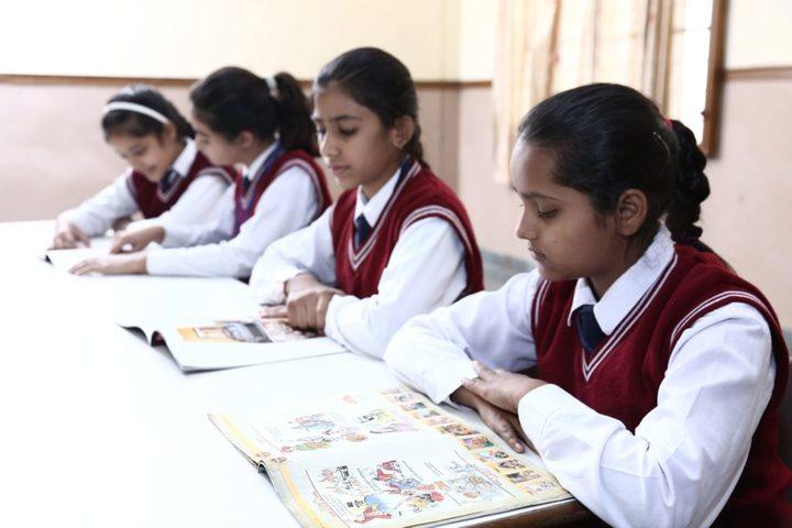 Satyug Darshan Vidyalaya-Library