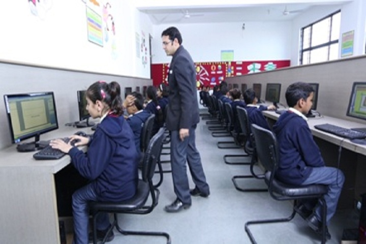 Scholars Global School-Computer Lab