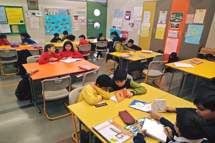 Shiv Nadar School-Classroom