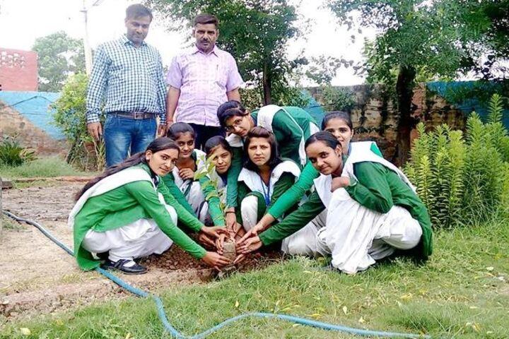 Shri Lajja Ram Bashesar Dass Gurukul Vidyapeeth-Tree Plantation