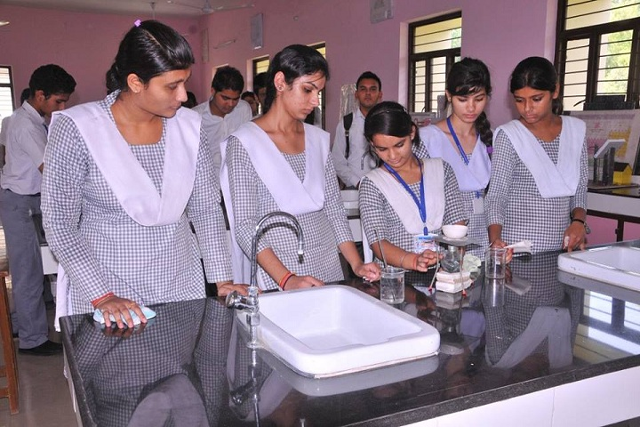Shri Mahavir Jain Public School-Chemistry Lab