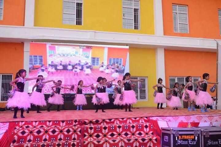 Shweta Royal Public School-Annual day