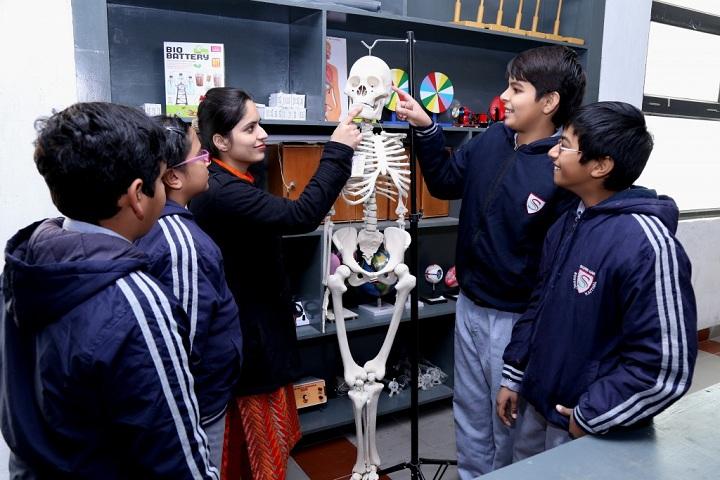 Silver Oak International School-Biology Lab
