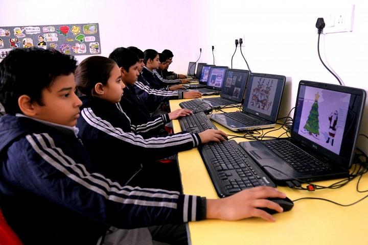Silver Oak International School-Computer Lab