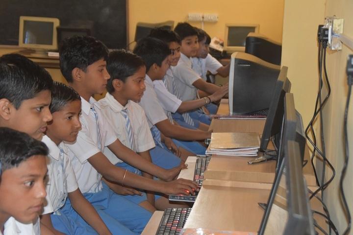Sir Jawahar Singh Public School-Computer Lab
