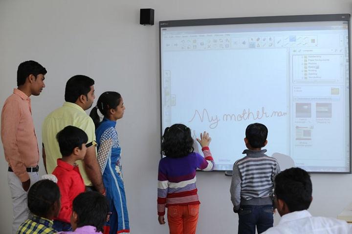 SMR International School-Smart Classes