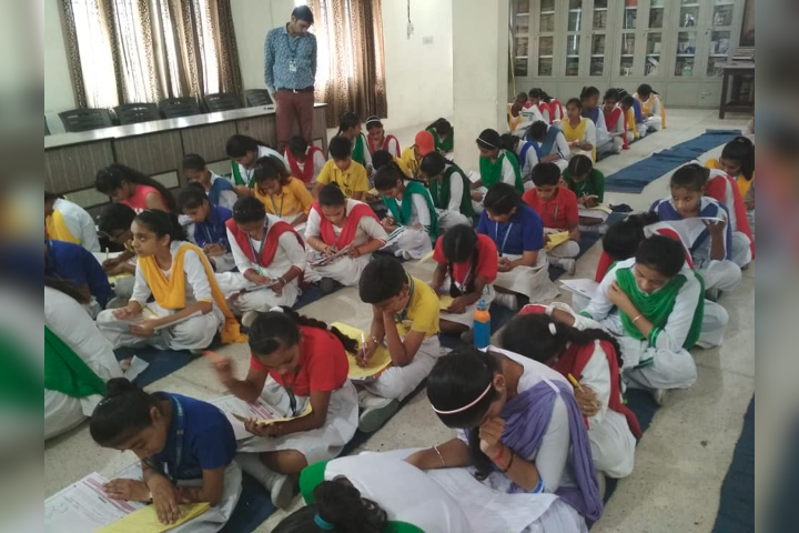 Sugni Devi Arya Girls Senior Secondary School- Students
