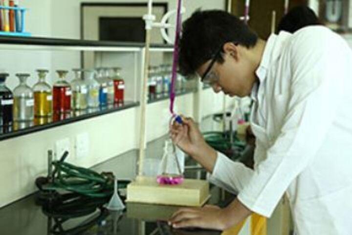 Suncity School-Chemistry Lab